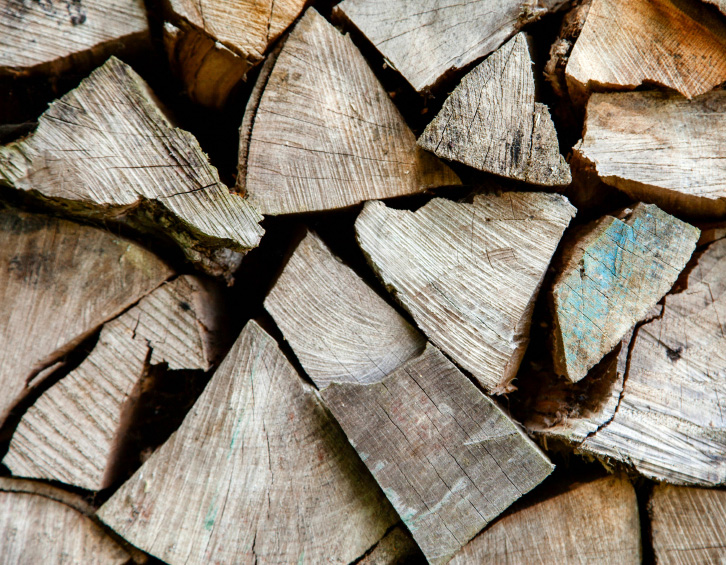 Firewood & Lumber | Tree Services White Lake MI | Big Guys Tree Service - iStock_000026076378_Small
